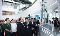 Premierminister Nguyen Xuan Phuc zu Gast beim 30. Gründungstag von Viettel