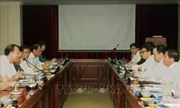 Vizepremierminister Vu Duc Dam besucht die Hochschule für Pädagogik Hanoi
