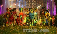 Ao dai fashion show honors Hue painters