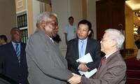 Vietnam, Cuba tighten fraternity, traditional friendship
