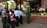 Public pays tribute to former PM Phan Van Khai