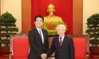 Party and State leader welcomes Japanese PM's special envoy