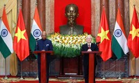 "Vietnam is a strategic pillar of India's ""Act East"" policy: Indian President"