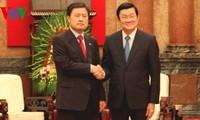 ประธานประเทศให้การต้อนรับผู้ว่าการเมืองปูซาน-สาธารณรัฐเกาหลี
