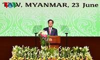 นายกรัฐมนตรีเหงียนเติ๊นหยุงเข้าร่วมกิจกรรมของสมาคมนักลงทุนเวียดนามในพม่า