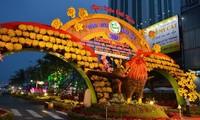 ชาวเวียดนามทั่วประเทศต้อนรับวสันต์ปีใหม่ประเพณี