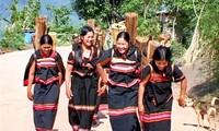ประเพณีการเตรียมสินสอดทองหมั้นในการแต่งงานของชนเผ่าแหยเจียง