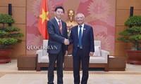 มีส่วนร่วมที่เป็นรูปธรรมให้แก่ความสัมพันธ์เวียดนาม-จีน