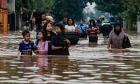 มีผู้เสียชีวิตกว่า40คนจากเหตุน้ำท่วมฉับพลันรุนแรง ในอินโดนีเซีย