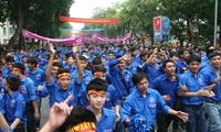 2013 summer youth volunteer program under review