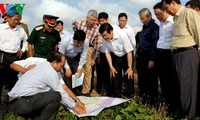 President inspects the sea dyke system in the Mekong River Delta