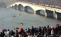 First boat racing festival in Muong Lay town