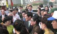 President pays tribute to Hung Kings