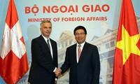Switzerland seeks stronger cooperation with Vietnam