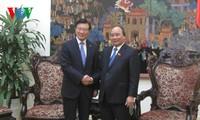 越南政府总理阮春福会见韩国锦湖韩亚集团总裁朴三求