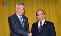 越南政府总理阮春福会见东盟各国领导人