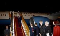 美国国务卿克里访问越南