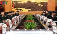 越中两国防长决心把两国关系提升至新高度
