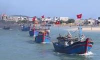越南中南部地区渔民前往长沙传统渔场捕捞