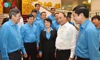 阮春福:领导人要加强与工人和劳动者进行对话