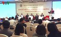 越南政府副总理王庭惠出席越南经济研讨会