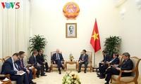 越南和波兰大力推进教育科技合作