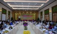 提高人民议会的质询和回答质询活动在同塔省举行