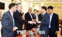 胡志明市与法国企业合作发展城市交通