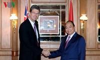阮春福总理会见新西兰乳品公司代表