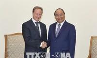 越南政府总理阮春福会见欧盟驻越代表团团长安格莱特