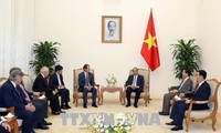 阮春福会见阿根廷中部地区3省领导人代表团
