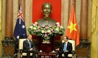 陈大光会见澳大利亚众议院议长托尼·史密斯