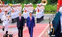 印尼总统左科圆满结束对越南的访问