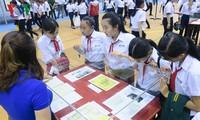 """""""黄沙和长沙归属越南——历史和法律证据""""展在平顺省举行"""
