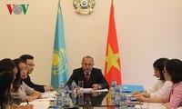 越南和哈萨克斯坦加强 多领域合作
