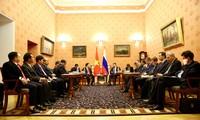 越南和俄罗斯促进各领域合作