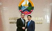 中国和老挝加强双边合作