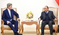 越南希望与美国和新加坡加强合作