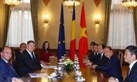 越南政府总理阮春福会见罗马尼亚各位领导人
