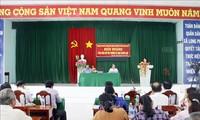 越南党、国家领导人与选民接触