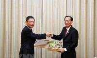 促进胡志明市和中国上海的合作