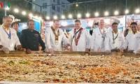 一万多人参加2019年岘港国际美食节
