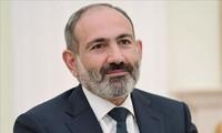 亚美尼亚总理开始对越南进行正式访问
