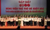 KPV-Generalsekretär Nguyen Phu Trong lobt 100 Parteimitglieder in Hanoi
