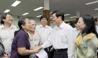 Staatspräsident trifft Wähler des Stadtviertels Vier in Ho Chi Minh Stadt
