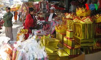 Vietnamesen ehren Küchengeister