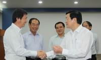 Staatspräsident verschafft sich einen Überblick über die Sicherheit in Industriezone Binh Duong