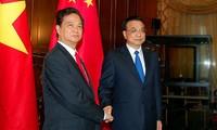 Premierminister Nguyen Tan Dung führt bilaterale Gespräche bei ASEM 10