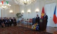 Die freundschaftlichen Beziehungen zwischen Vietnam und Tschechien auf neues Niveau bringen