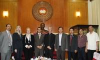 Eine Delegation der US-Kommission für Religionsfreiheit besucht Vietnam